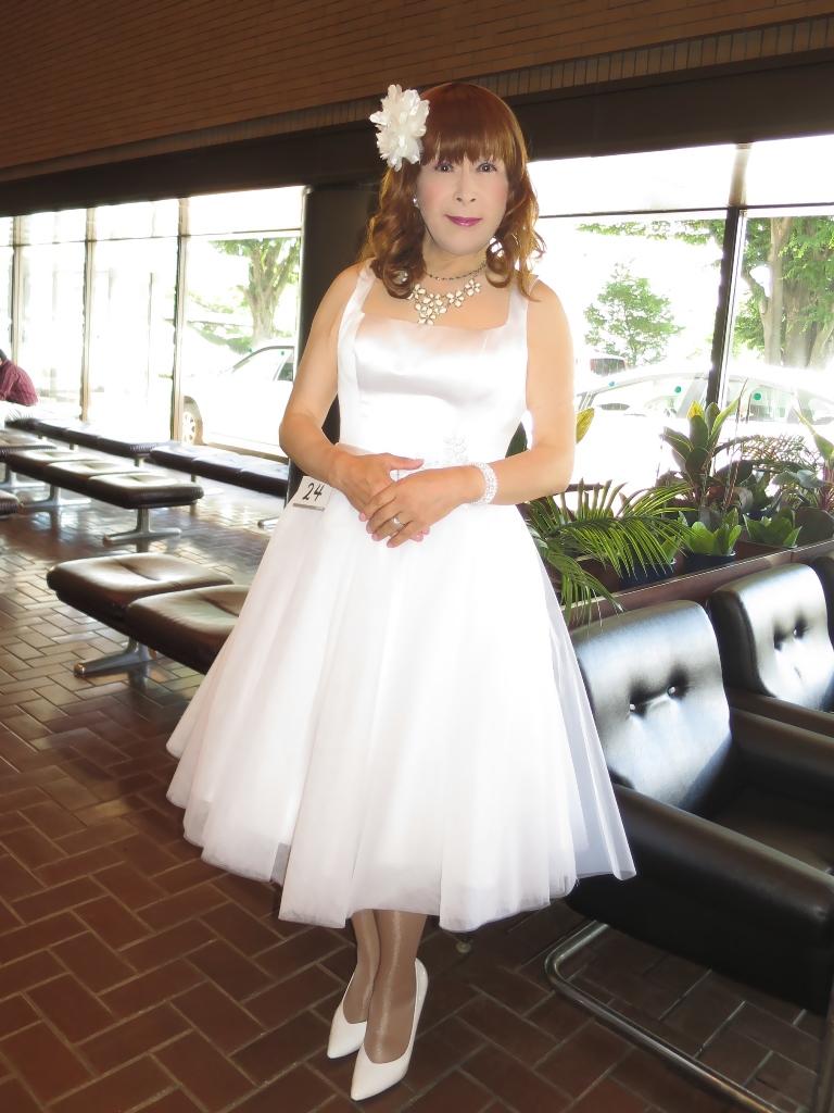 ★白ショートドレス舞台発表会(2)