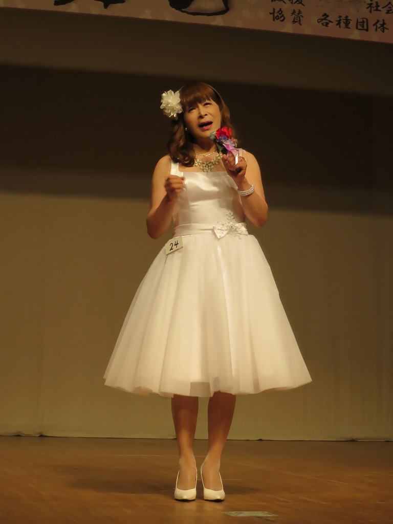 ★白ショートドレス舞台発表会(5)