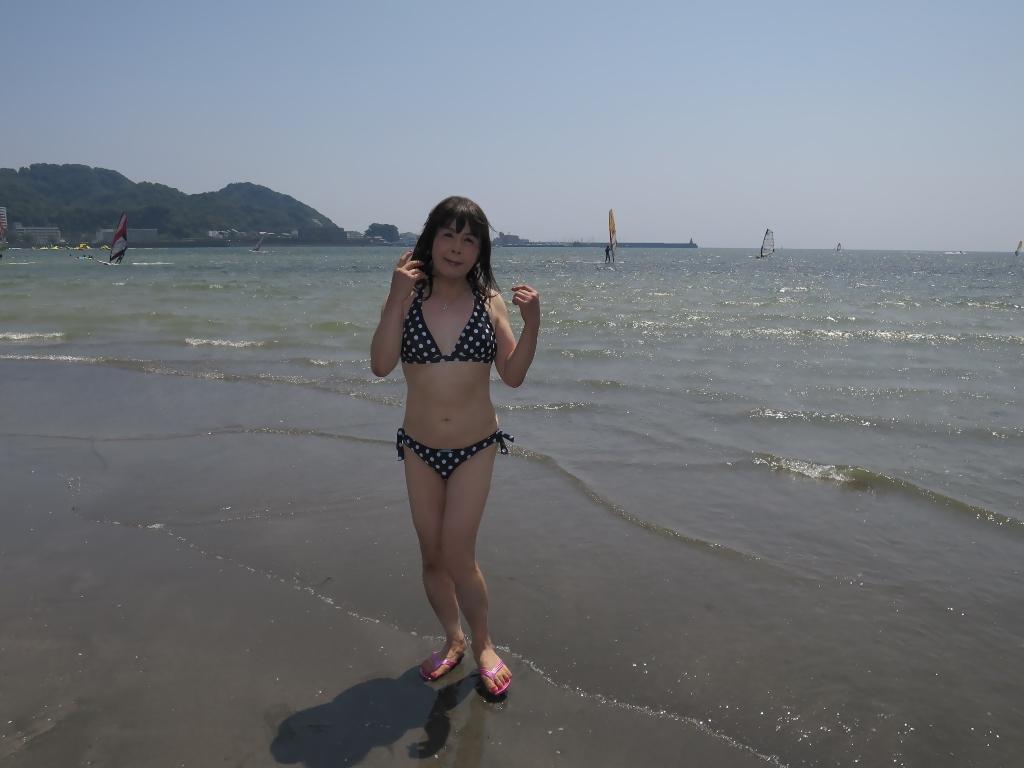 逗子海岸黒水玉水着A(2)