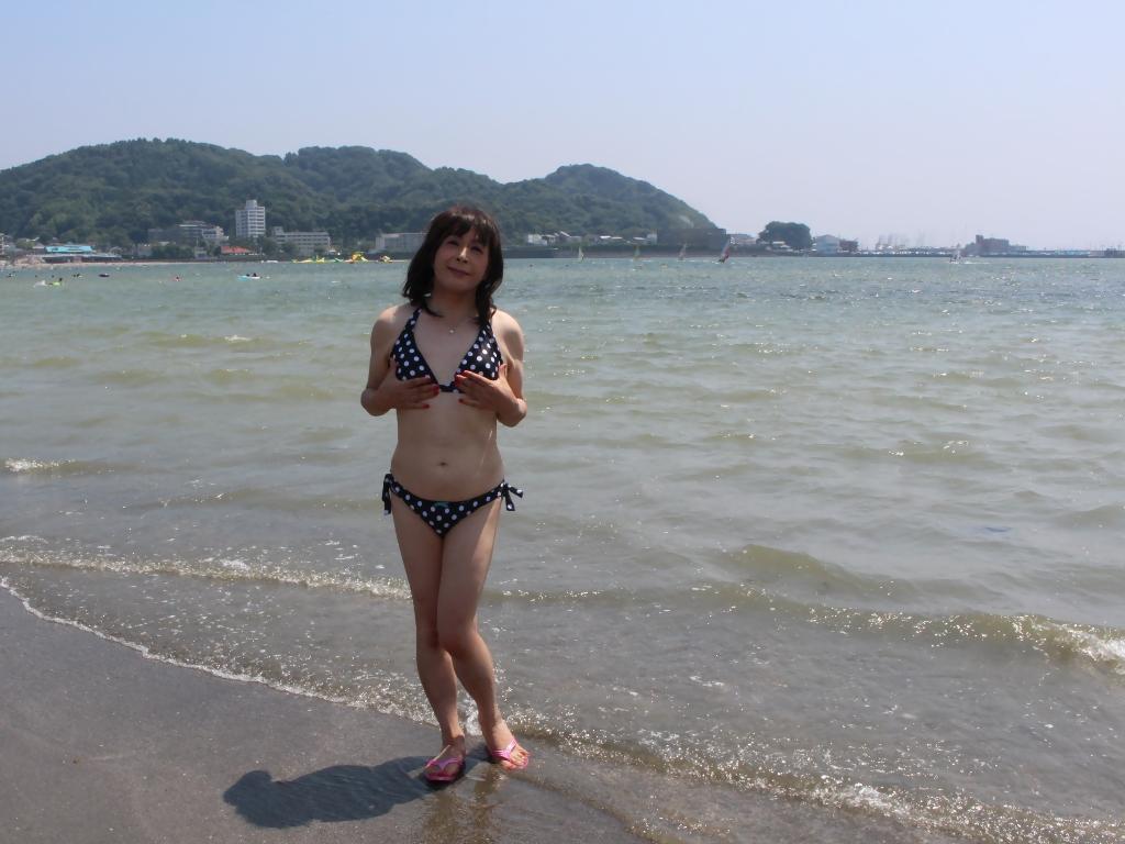 逗子海岸黒水玉水着B(2)