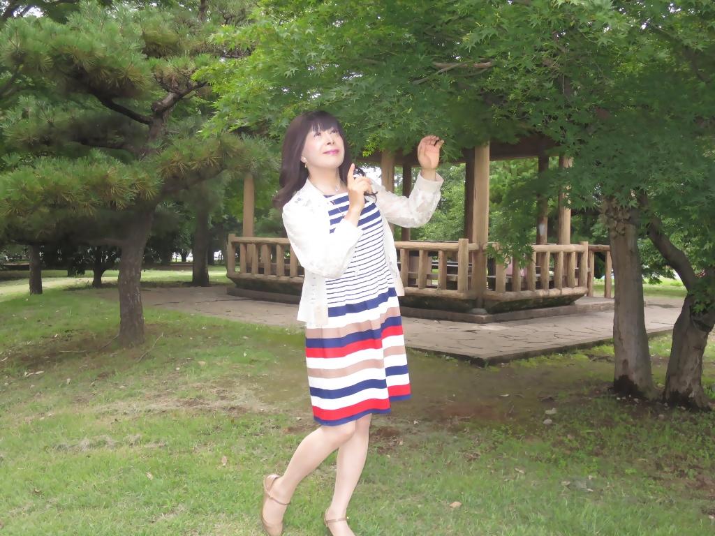 マルチボーダー柄ワンピ公園A(1)