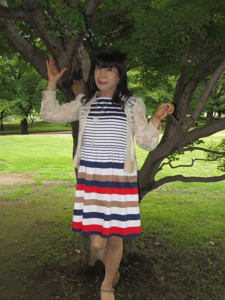 マルチボーダー柄ワンピ公園B(2)