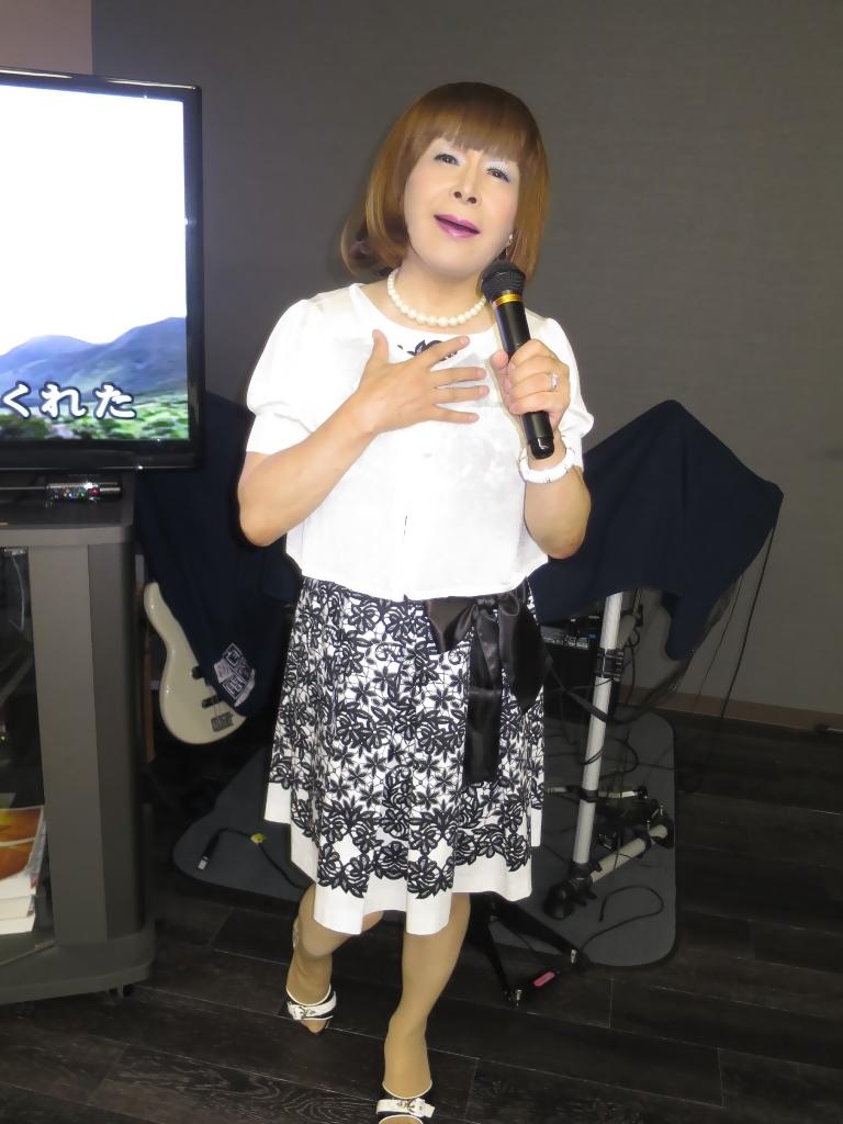 モノトーンワンピカラオケ(1)