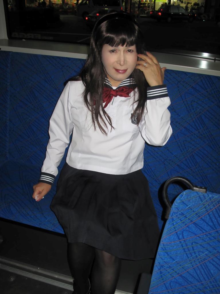 101106セーラー服(3)