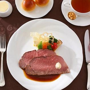 ホテルオークラ伝統の和牛ローストビーフディナー付き1
