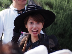 加藤綾子ミニスカパンチラ画像3