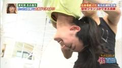 浅田舞空中ブランコ胸チラ画像1