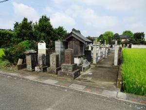 察元の墓がある墓地