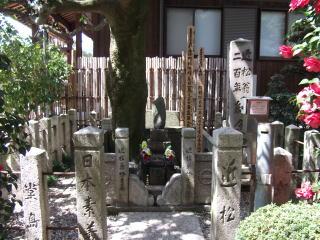 近松門左衛門墓所