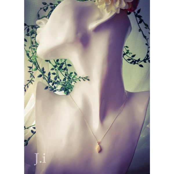 accessories_032c_pendant.jpg