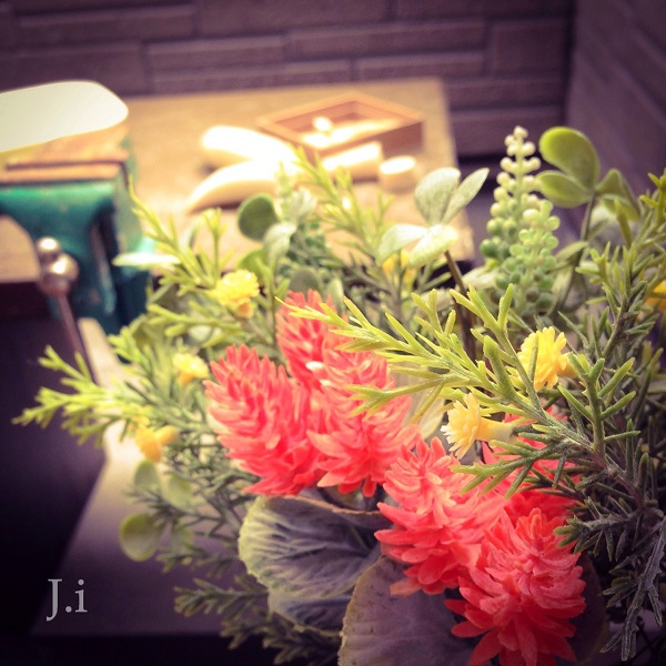 flower_and_geishi.jpg