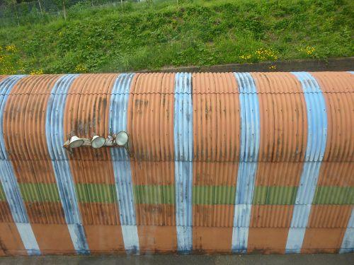 上から見たミニレールのトンネル