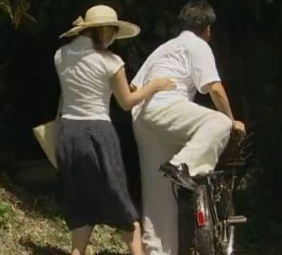 中年オヤジと不倫密会している姉を覗くチェリーボーイ【ヘンリー塚本】