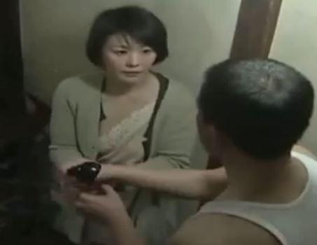 (ヒトヅマムービー)円城ひとみ☆下宿人とカラダカンケイを続ける夫を亡くした妻(ヘンリー塚本)