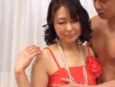 無修正 里中亜矢子 僕のお婆ちゃん 体は老いてもまだまだ現役 皺のまみれた肉体で味わうお婆ちゃん 完熟女 五十路 xhamster