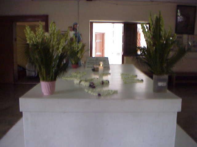 マザーテレサの棺