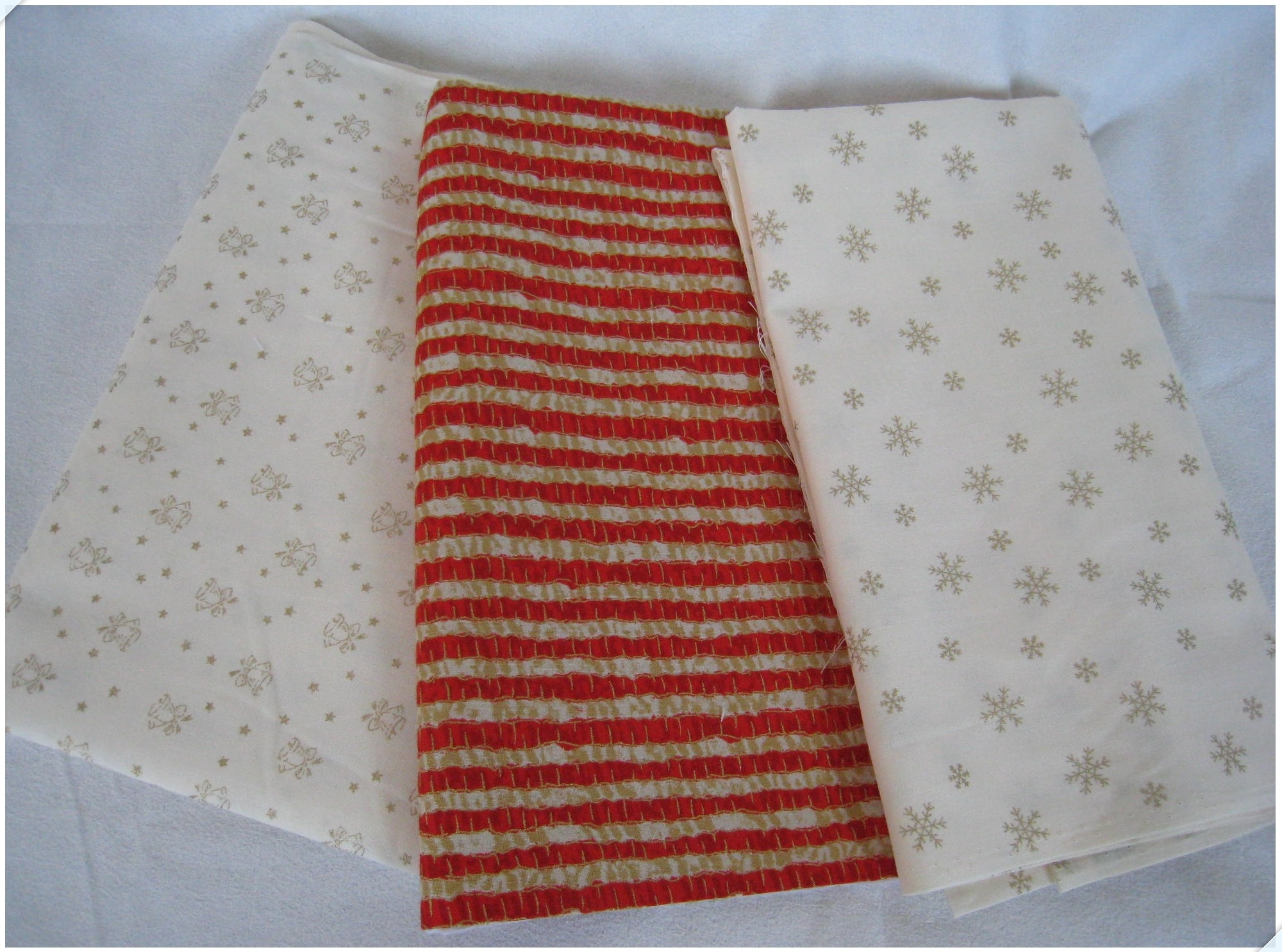 christmasfabric_3_1007.jpg