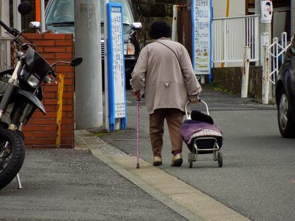 買い物老人
