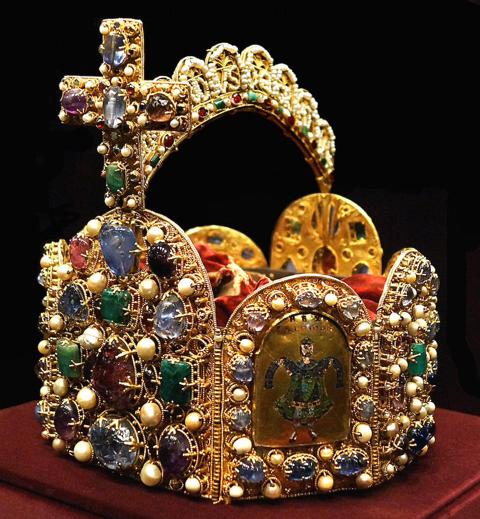 Holy_Roman_Empire_Crown_(Imperial_Treasury)2.jpg