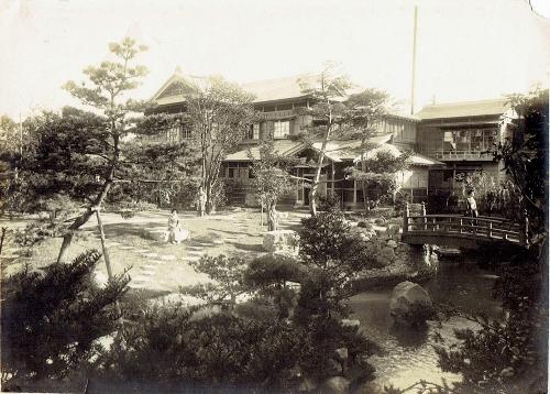 鴨川 庭園