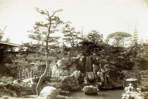 鴨川 庭園②