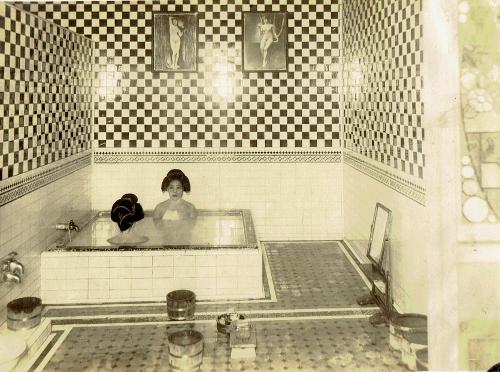 鴨川 浴室