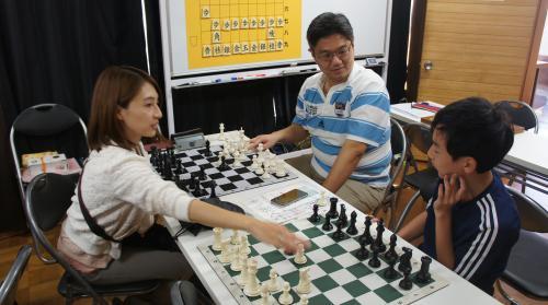 5チェス2面指し始まる