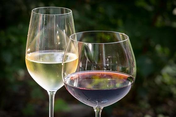 white-wine-848268_640.jpg