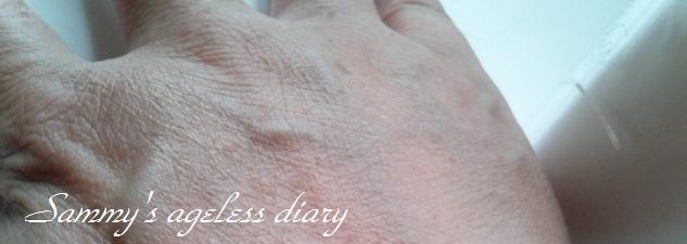 ファイナルホワイト 塗り続けた手