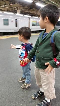 電車移動中~