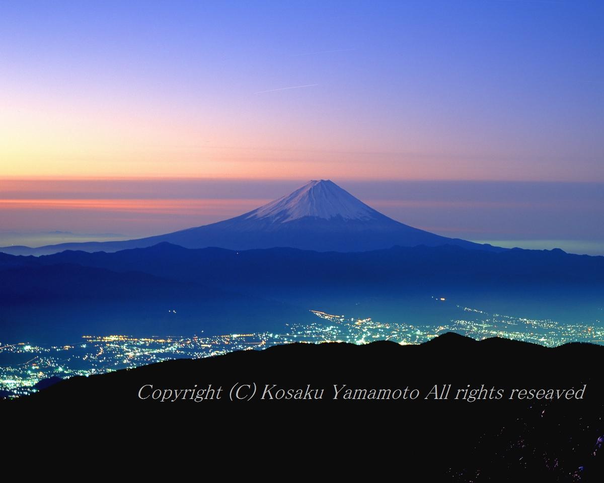 国師ヶ岳より-夜明けの街明かり_3_blog