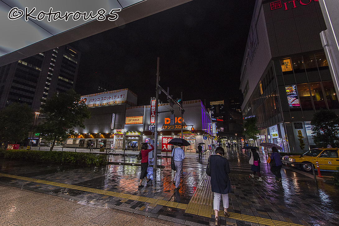 雨の夜 少し静かな有楽町 20150917
