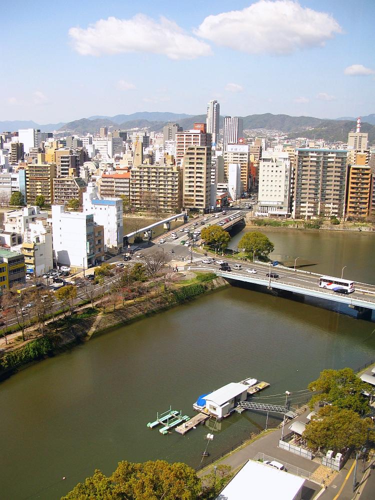 2014_03_27 広島: 福屋11Fパノラマフードコート (4)