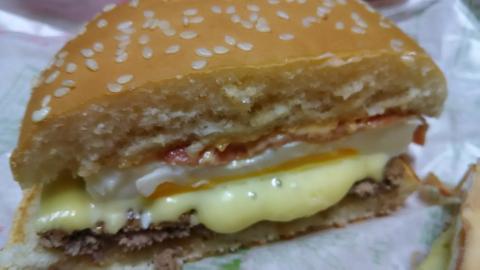 チーズ月見バーガー (2)