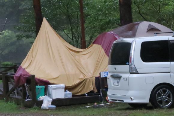雨のキャンプ場3