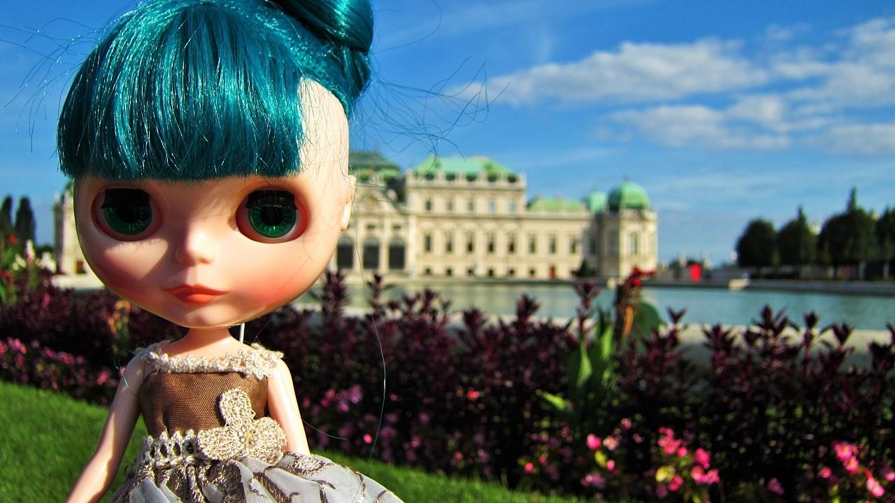 ウィーン ベルヴェデーレ宮殿前のおすましマラケシュ