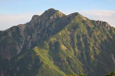 七倉岳から望む針ノ木岳