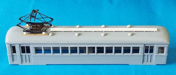 流山電鉄モハ100形ベンチレーターとランボード仮取付RZ