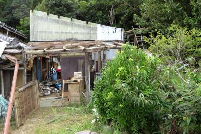 2015_08 29_裏の倉庫解体・2