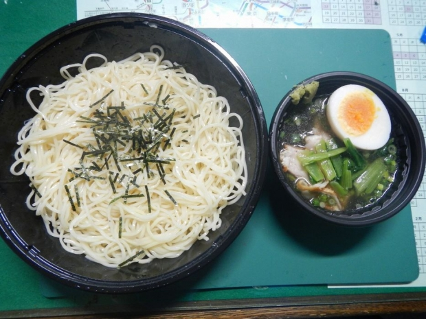 冷やしとりしおつけ麺@ローソン (3)