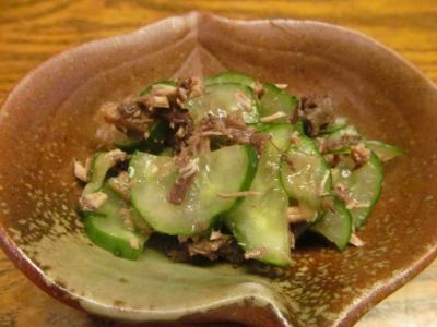 キハダマグロの血合いと胡瓜の和え物小2
