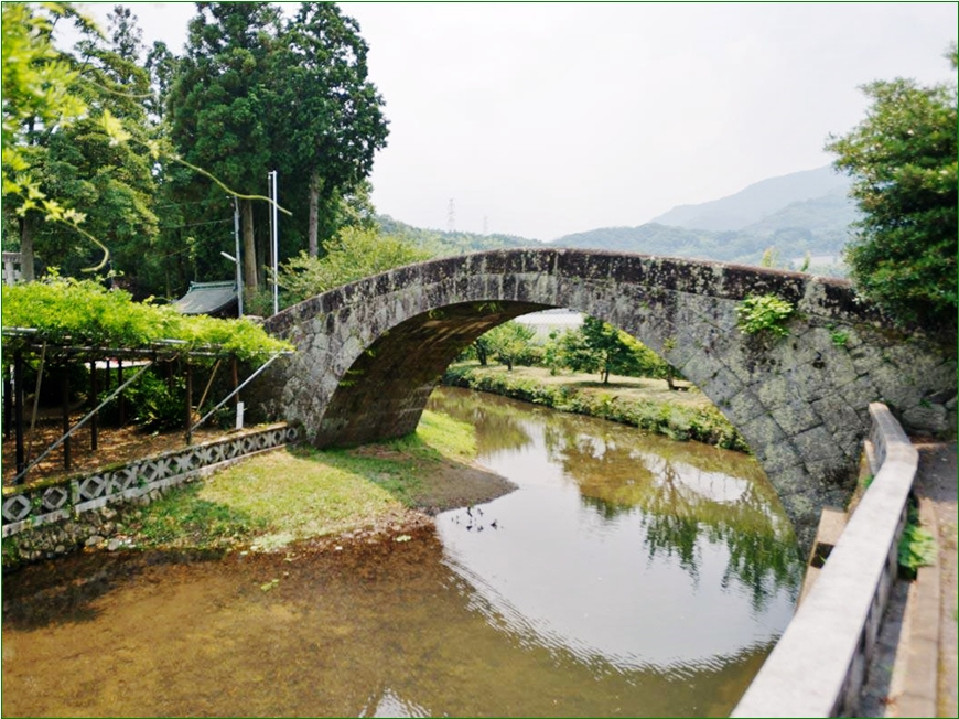 8-9-4 西寒多神社万年橋201509