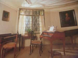 モーツァルトのクラビコードとピアノフォルテ