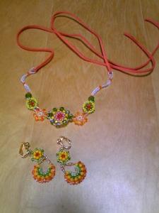 オレンジと緑のイヤリング&ネックレス