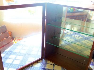 ガラス壁掛け用キャビネット3