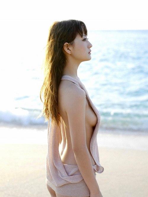 小松彩夏水着画像b19