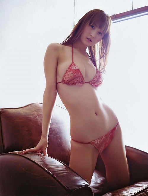 小松彩夏グラビア画像