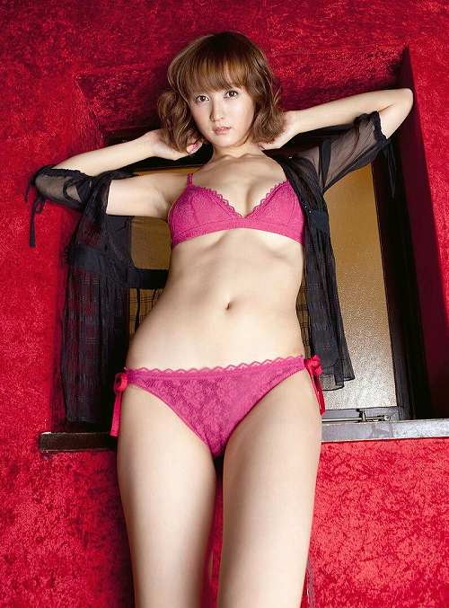 小松彩夏おっぱい画像b38