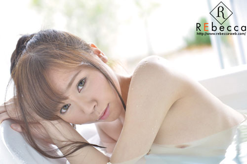 花澤アンおっぱい画像2a13