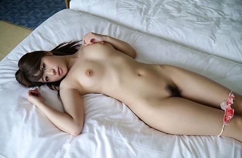 初美沙希巨乳おっぱい画像2a30